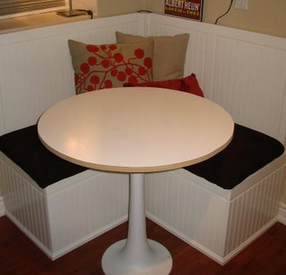 ikea hacks un tabouret devenu luge clem around the corner. Black Bedroom Furniture Sets. Home Design Ideas
