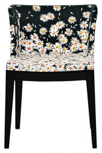 Fauteuil Mademoiselle Moschino by P. Starck - 568€