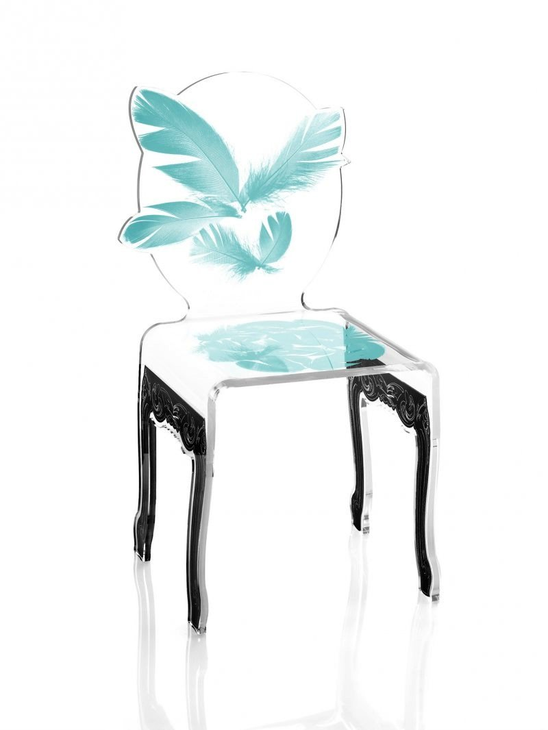 Chaise plume by Acrila - 575€