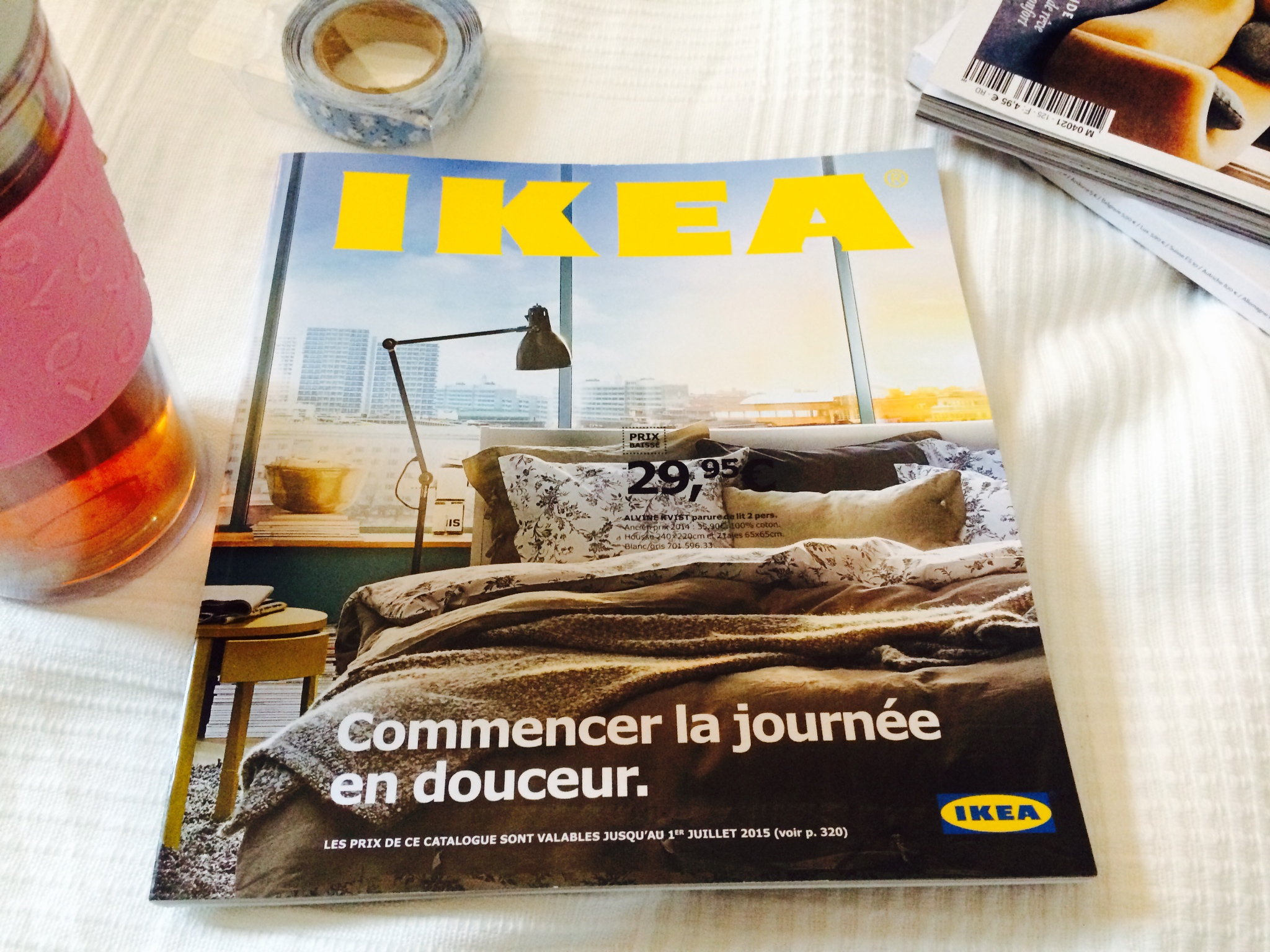 le nouveau catalogue ikea 2015 entre mes mains. Black Bedroom Furniture Sets. Home Design Ideas