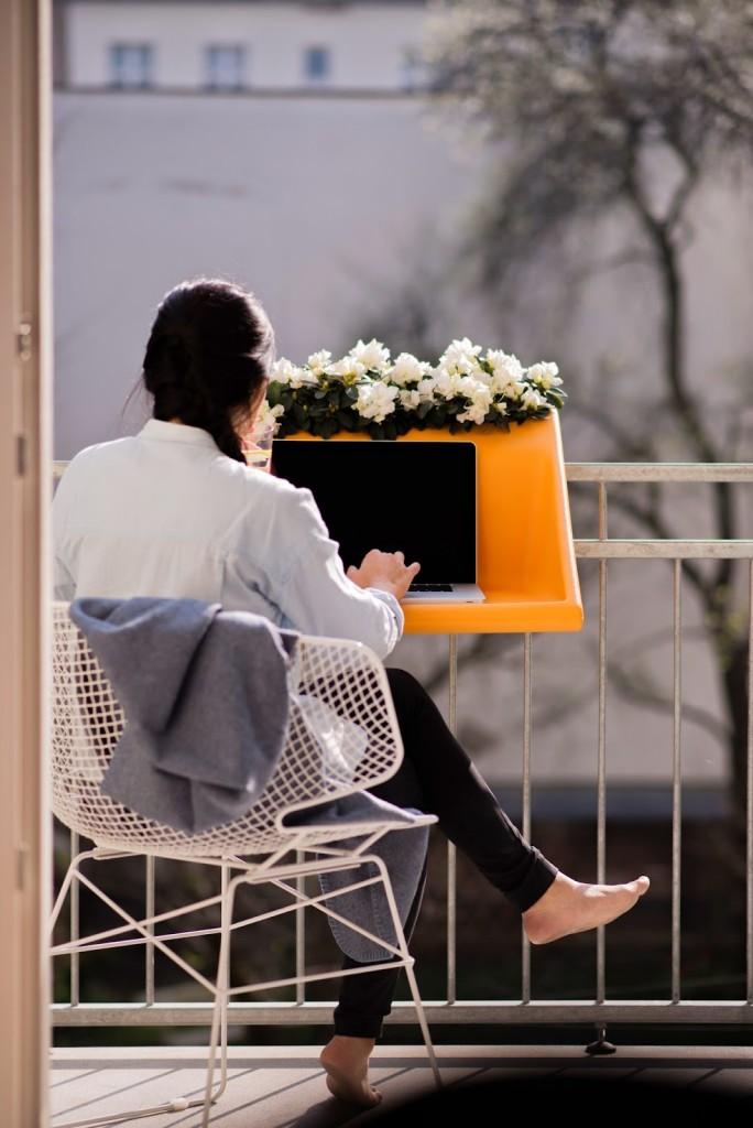 BalKonzept table pour petit balcon ordinateur poste de travail mobile extérieur