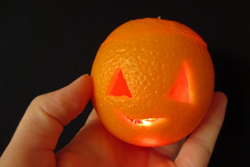Halloween mandarine clementine lanterne