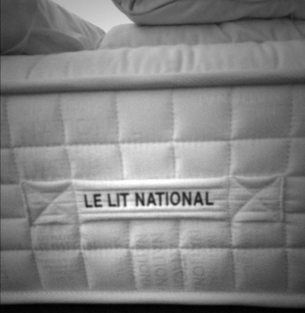 le lit national savoir faire traditionnel fran ais. Black Bedroom Furniture Sets. Home Design Ideas