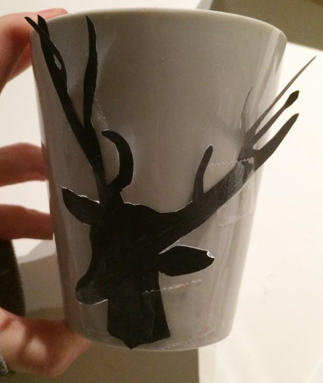 DIY mug tête de cerf dessin sharpie feutre