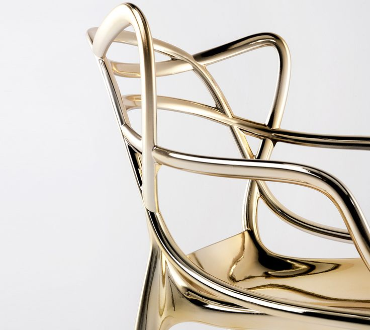 chaise Masters kartell dorée. clemaroundthecorner.com. Icone design edition limitée dorée.