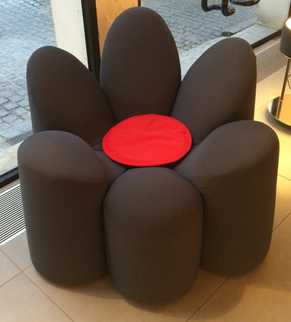 2015 roche bobois Fauteuil Baby Mayflower design Fabrice Berrux. www.clemaroundthecorner.com