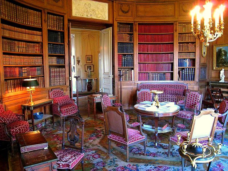 800px-Musée_Nissim_de_Camondo_-_Library