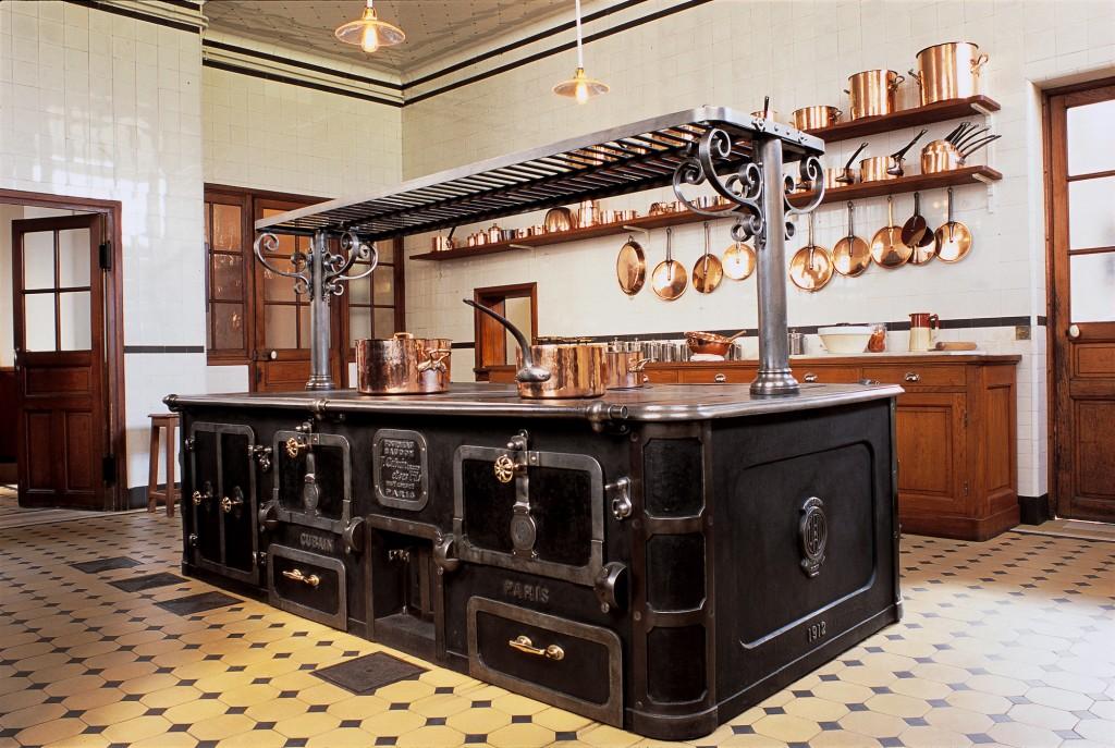 Musée Nissim de Camondo cuisine. www.clemaroundthecorner.com