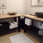 Ikea hacks pour la salle de bain, meuble lavabo.