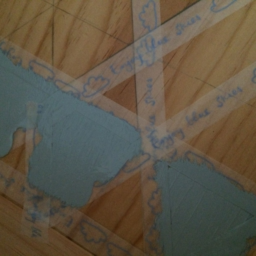 table de chevet motif triangle.