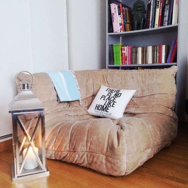 Fauteuil chaufeuse d'angle TOGO Sofa Ligne roset beige www.clemaroundthecorner.com
