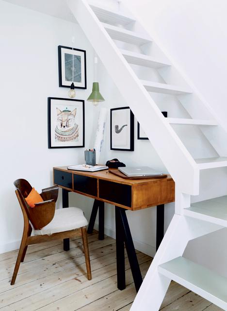 Ulrik Foss coin bureau sous escalier rangement malin home office télétravail