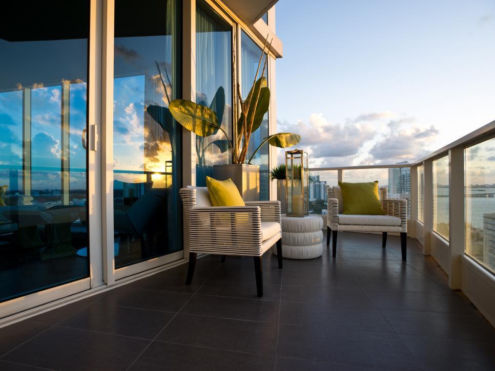 s'abriter-du-vent-avec-parois-en-verre-sur-sa-terrasse-son-balcon