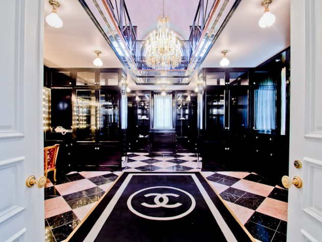 Dressing manoir texas coco chanel avenue montaigne.