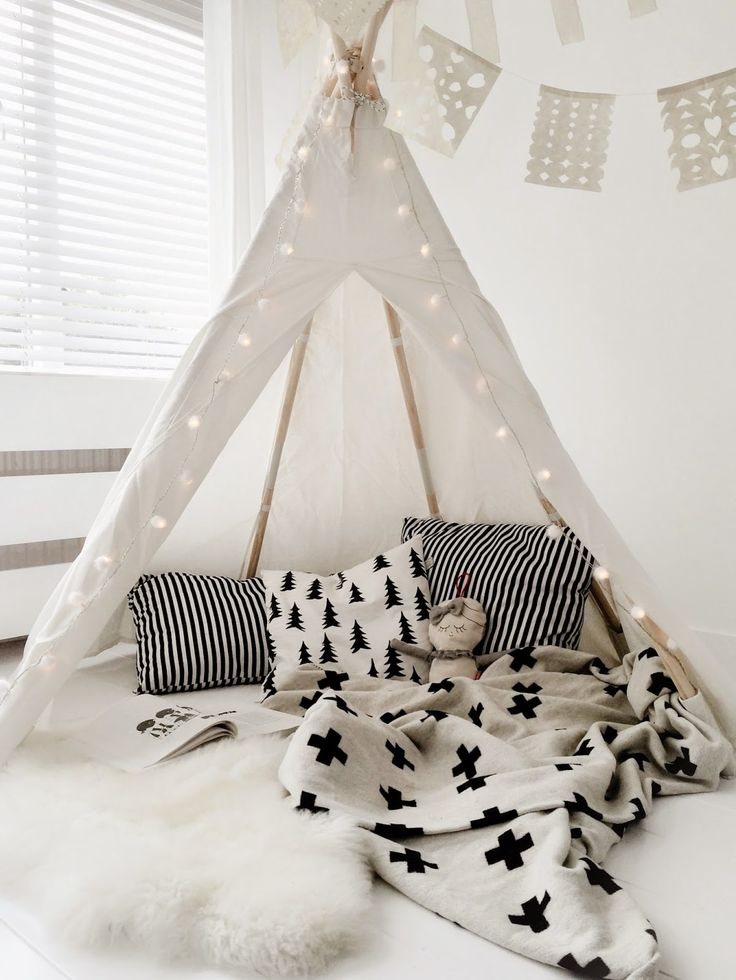 chambre bb style scandinave black and white kids teepee tent - Chambre Bebe Design Scandinave