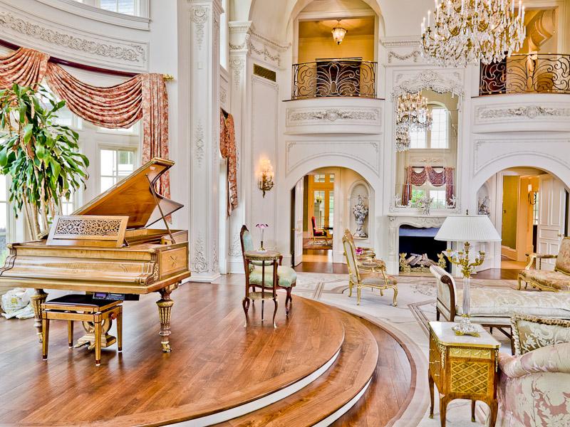 manoir texas coco chanel inspiration vaux le vicomte salle de bal.