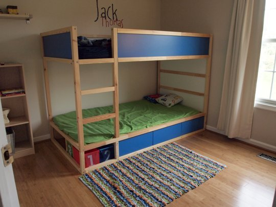transformer le lit ikea kura 15 id es ikea hacks blog d co clem around the corner. Black Bedroom Furniture Sets. Home Design Ideas