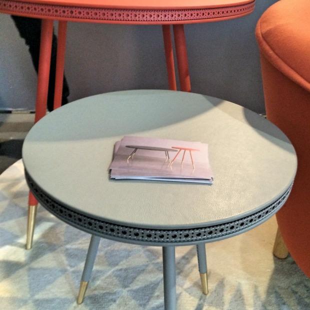 La table cuir fleuri de Bethan Gray