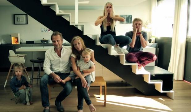 Famille et tomas erel chez eux a montreuil