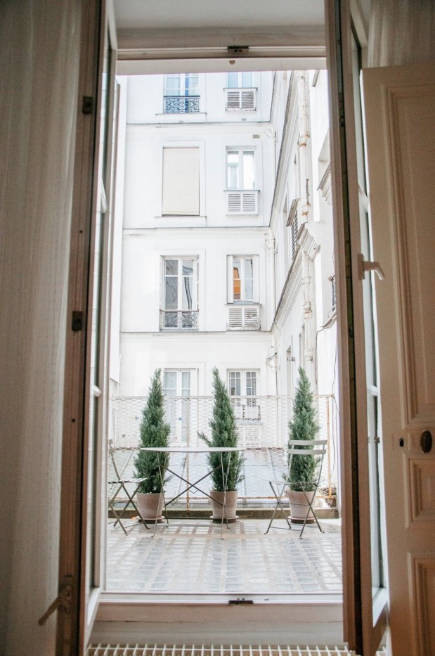 Visite Un appartement Mix and Match à Paris terasse