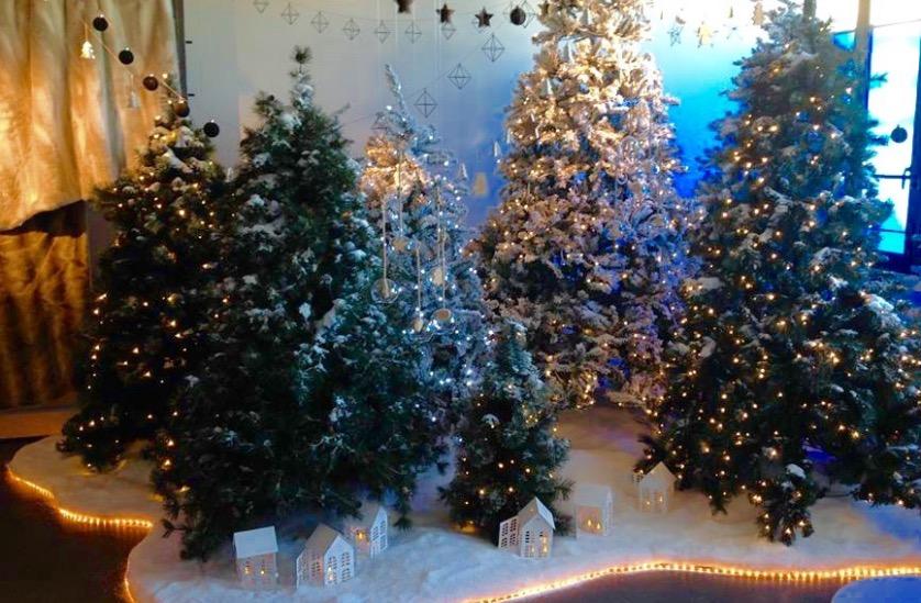 faux sapin de Noël artificiel neige deco.