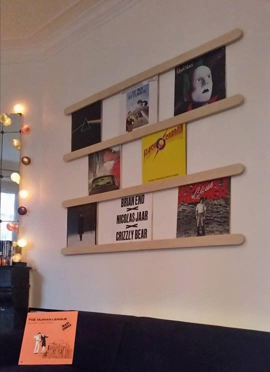 Range-disques mural.