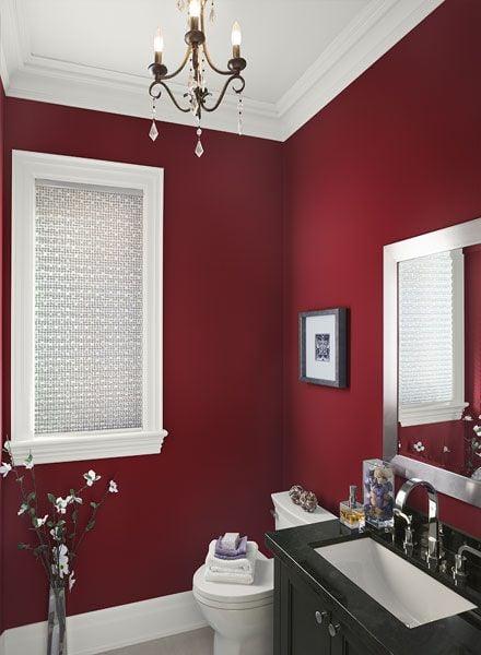 salle de bain rouge noir blanche