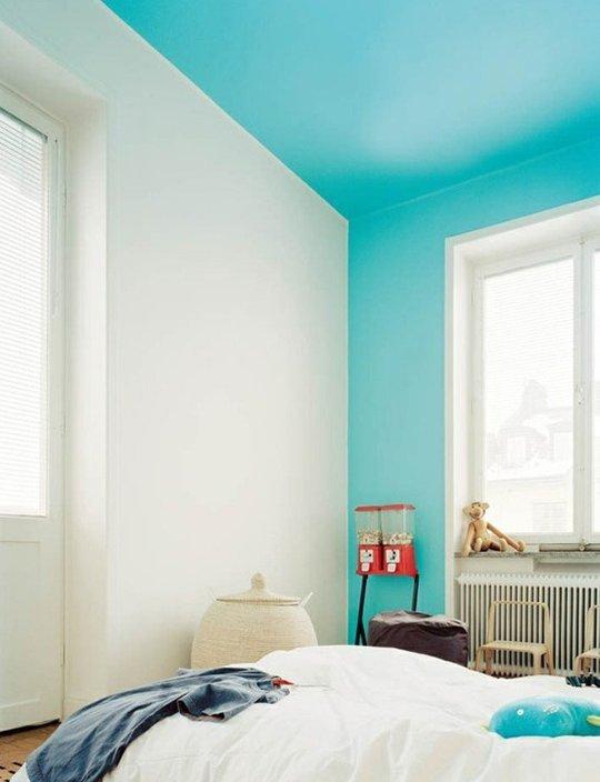 mur peint bleu clair turquoise plafond - blog déco - Clem Around The Corner