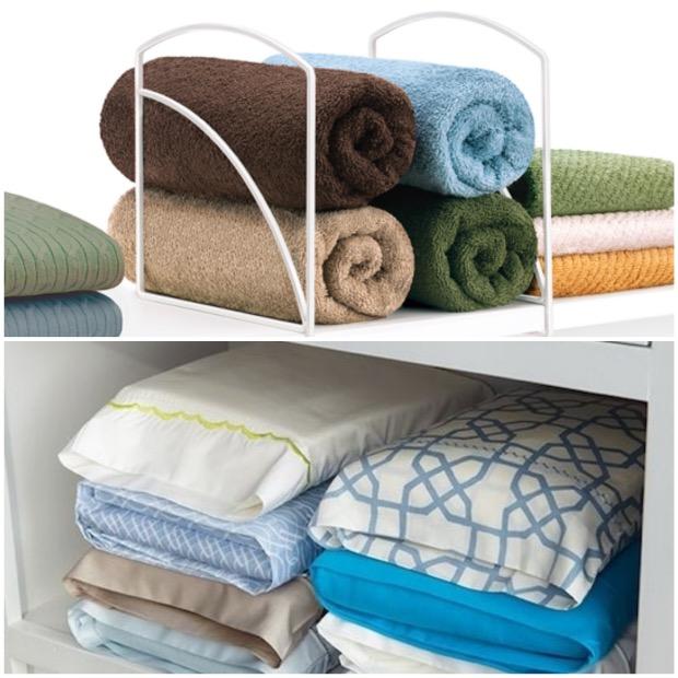 Un rangement pratique et esthétique pour les serviettes : les serre-livres ! Et pour bien ranger vos housse de couettes, placer les dans les taies d'oreillers assortis.