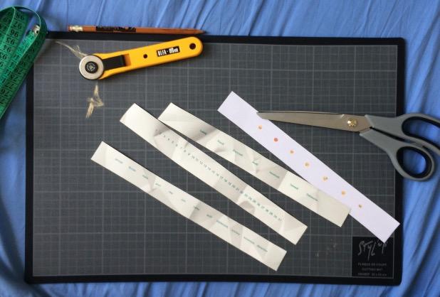 Un calendrier perpétuel DIY avec des chutes de papier peint