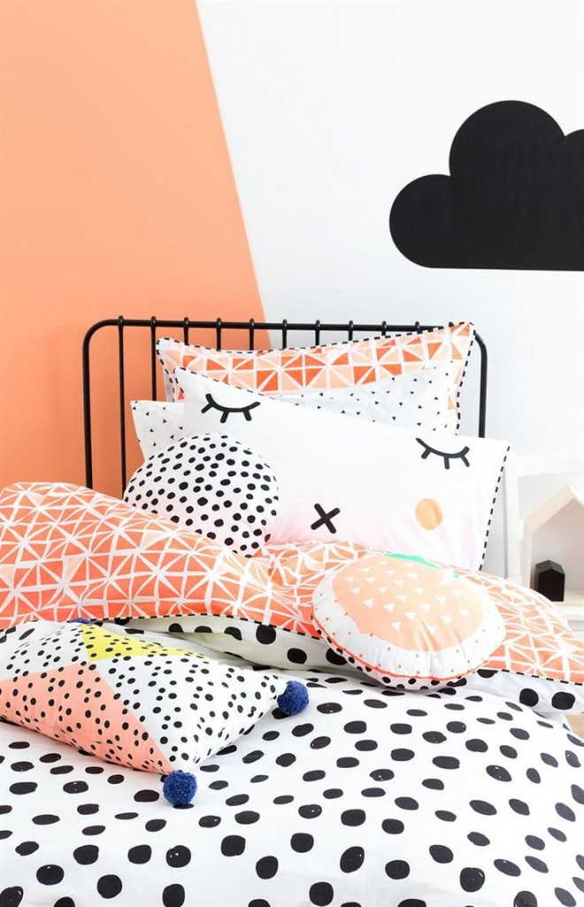 chambre enfant bebe orange noir blanche.