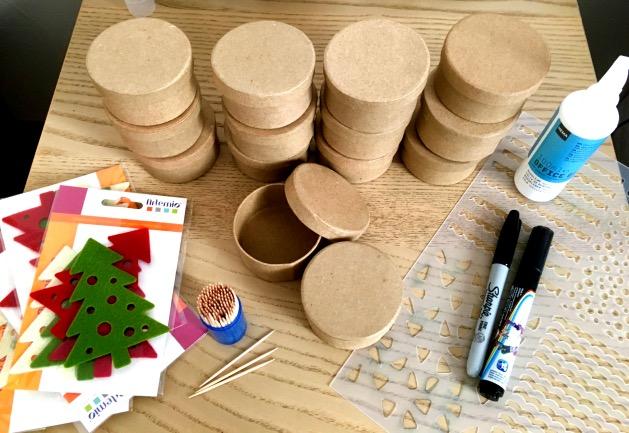 materiel necessaire diy calendrier de l'avent forêt de sapins