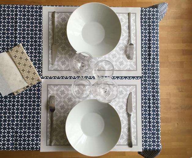 set de table en papier jetable blog d co clem around the. Black Bedroom Furniture Sets. Home Design Ideas