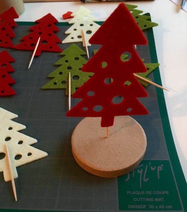 tuto diy calendrier de l 39 avent for t de sapins blog d co clem around the corner. Black Bedroom Furniture Sets. Home Design Ideas