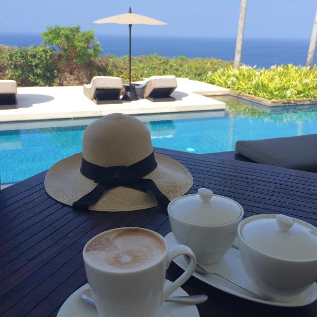 petit dejeuner cafe vue ocean-indien