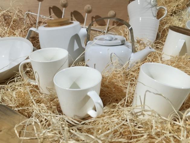 vaisselle tasse style scandinave blanc et bois monop maison déco
