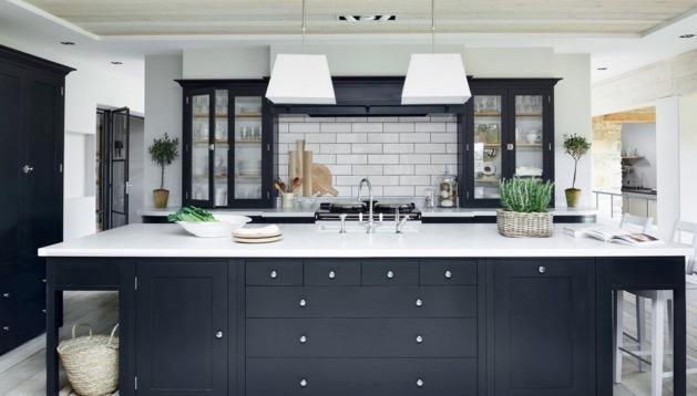 cuisine noire et blanche esprit cottage anglais