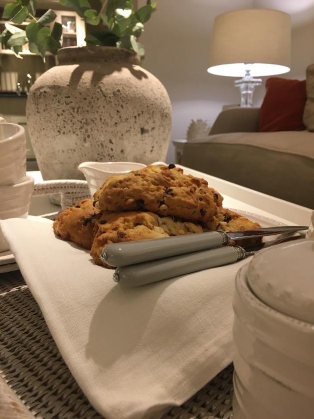 petit-déjeuner à l'anglaise tea time gouter scones