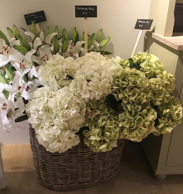 fausse plante fleur lis blanc hortensia