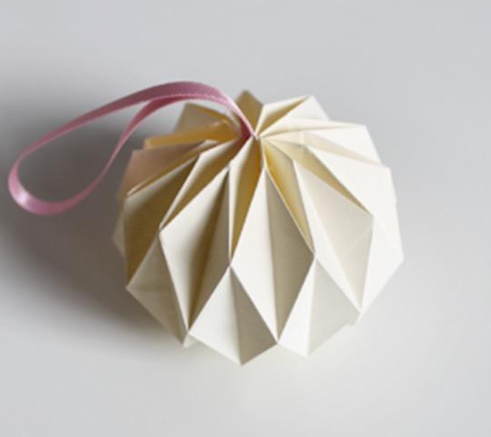 balle decoration de sapin de noel origami diy