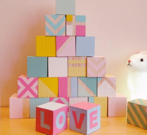 Pas a pas DIY cubes en bois pour bebe enfant