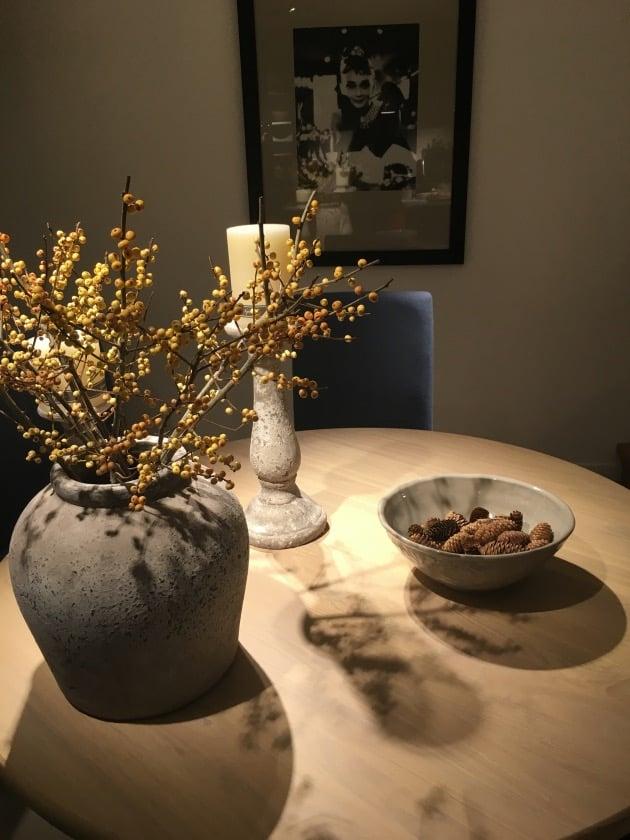 sur la table du cottage neptune