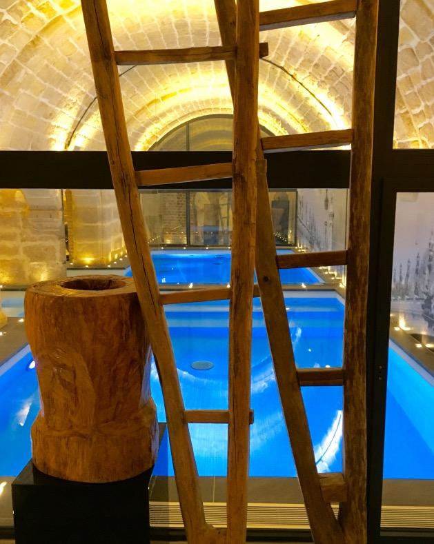 piscine cave voûte pierre