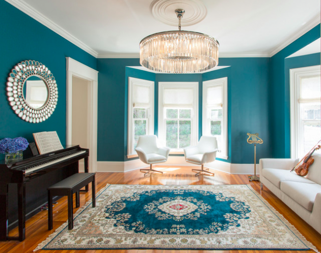 salon mur peinture bleu turquoise paon