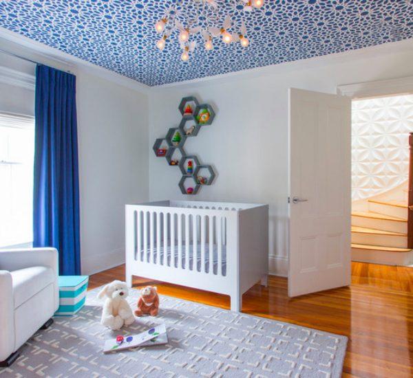 Chambre bebe blanche bleu electrique roi