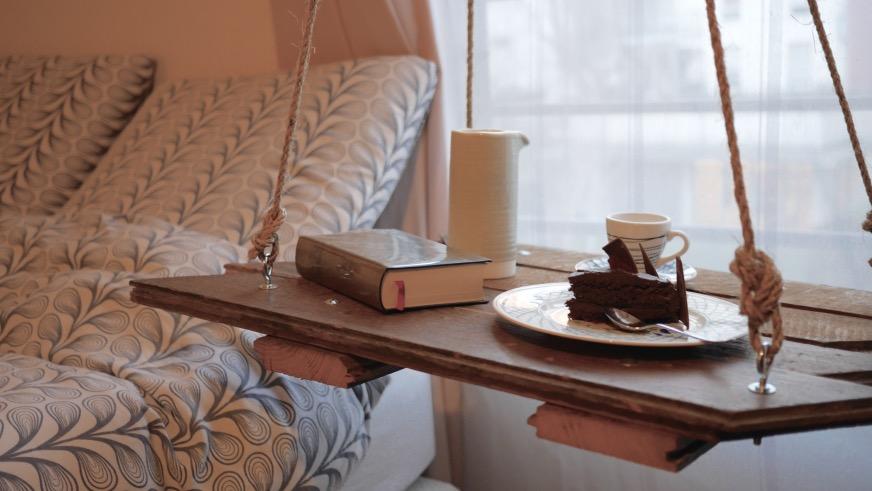 diy table suspendue plateau bois Clemaroundthecorner.com