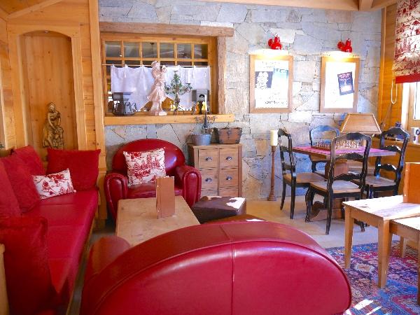 piece commune coin salon chalet mounier clematc