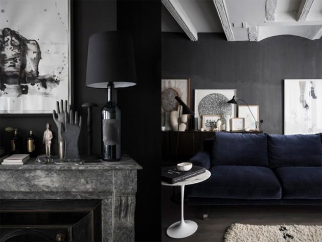 salon aux murs noirs canapé velour