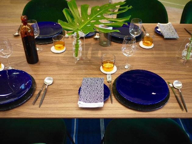 déco table bleue blanche verte