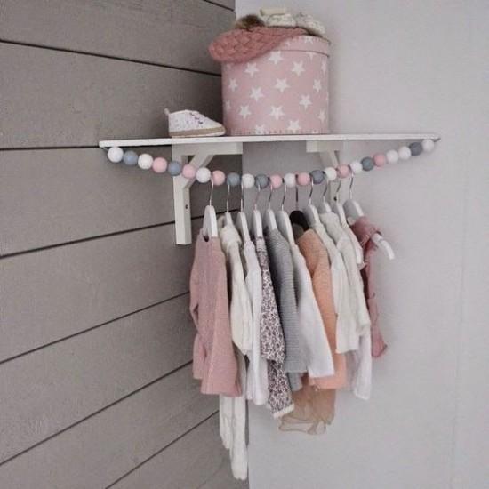 chambre bebe penderie nurserie bois